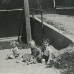 Svante Häll med två kusiner