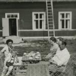 Fika vid fd. skolan i Iste